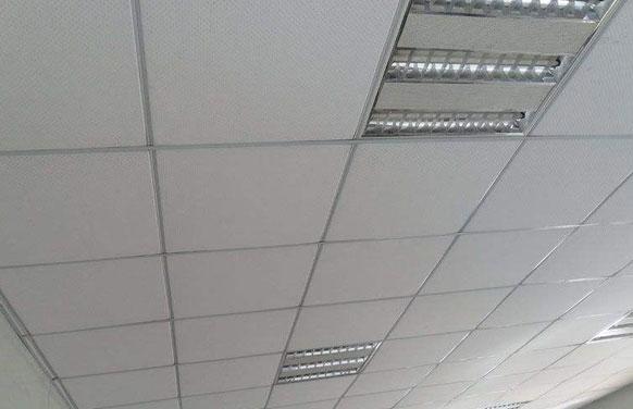 中学教室石膏板吊顶